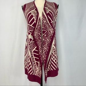 Dina be sweater vest with funky pattern